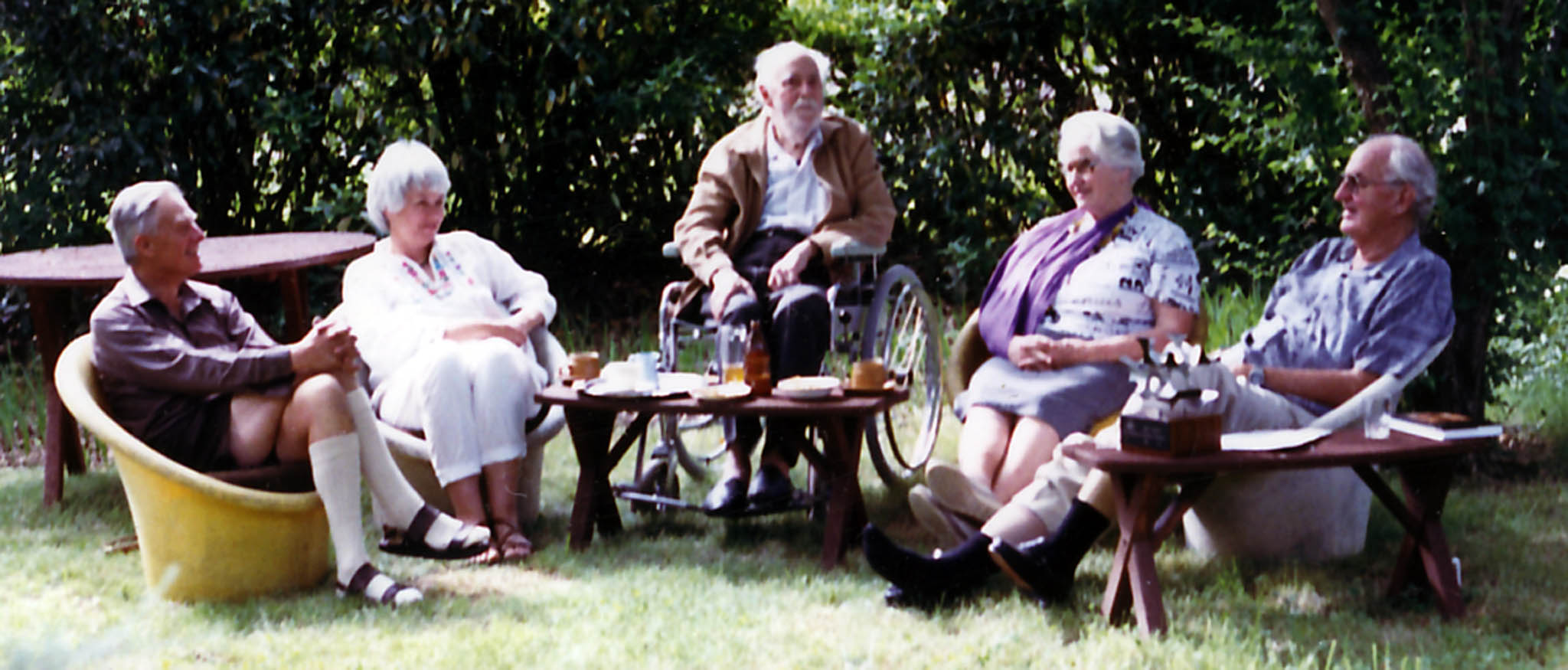 Derek, Maxine, Fred, Phyllis and Ross Hohnen in the garden of their home at 71 Empire Cct. Forrest around 1990. (Puss, Fred's wife, died in 1989 and Fred died in 1990 so this photo was quite timely. Ross died in 2003. The sculpture on the table near Ross was designed by me and presented to him by Dr H.C. Coombs in 1975 when Ross retired from ANU. It was typical of Ross's thoughtfulness to bring the presentation sculpture out for this informal occasion. I'm glad we took that photograph – it was a unique and momentous meeting.